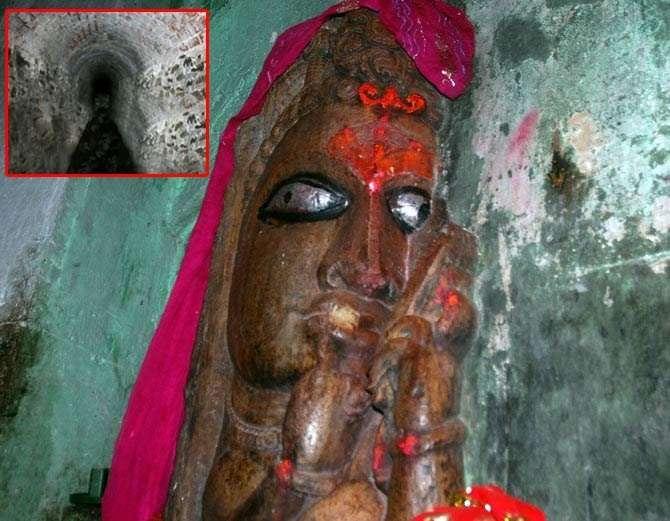 रानी पद्मावती की मूर्ति